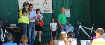 El Día de la Bici en Sarón congrega a decenas de personas