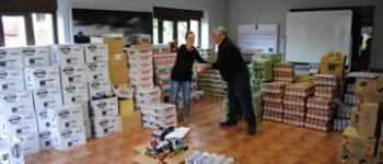 Cruz Roja reparte 7.000 kilos de alimentos entre familias desfavorecidas de Cayón