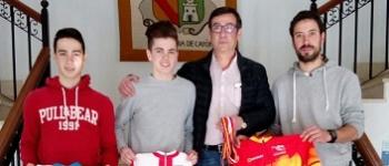 El Ayuntamiento de Santa María de Cayón recibe a Alain Suarez y Gonzalo Inguanzo, Campeones de España de ciclocross.