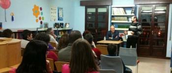 """Comienza la andadura de los """"Encuentros Literarios"""" en la biblioteca """"Jerónimo Arozamena """"con la presencia de Miguel Ibáñez"""