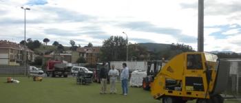 Comienzan las obras de renovación del campo de fútbol de hierba artificial del polideportivo de Sarón